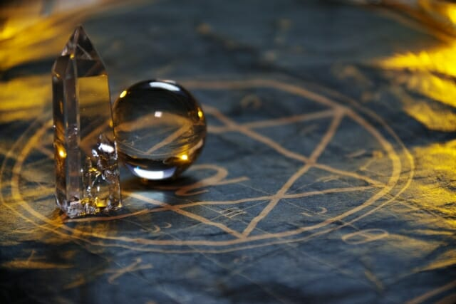 水晶と魔法陣